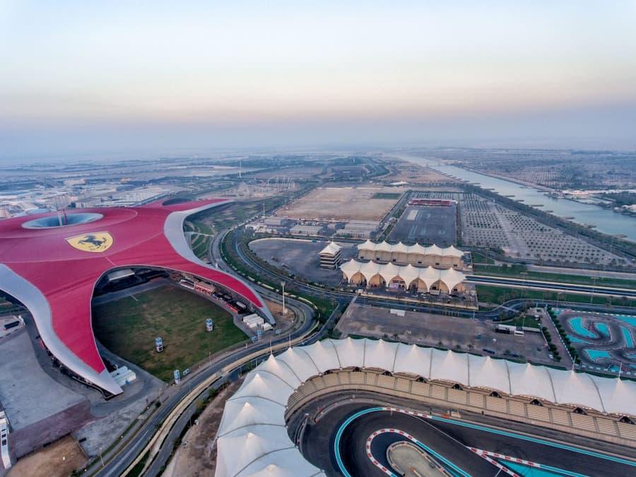 Parque Temático Ferrari World en Abu Dabi