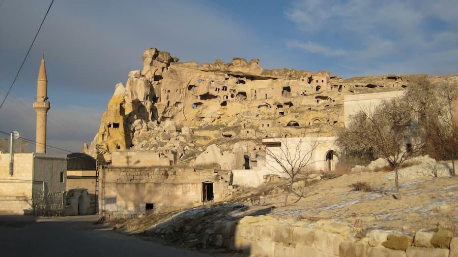Pueblo de Çavuşin en Capadocia