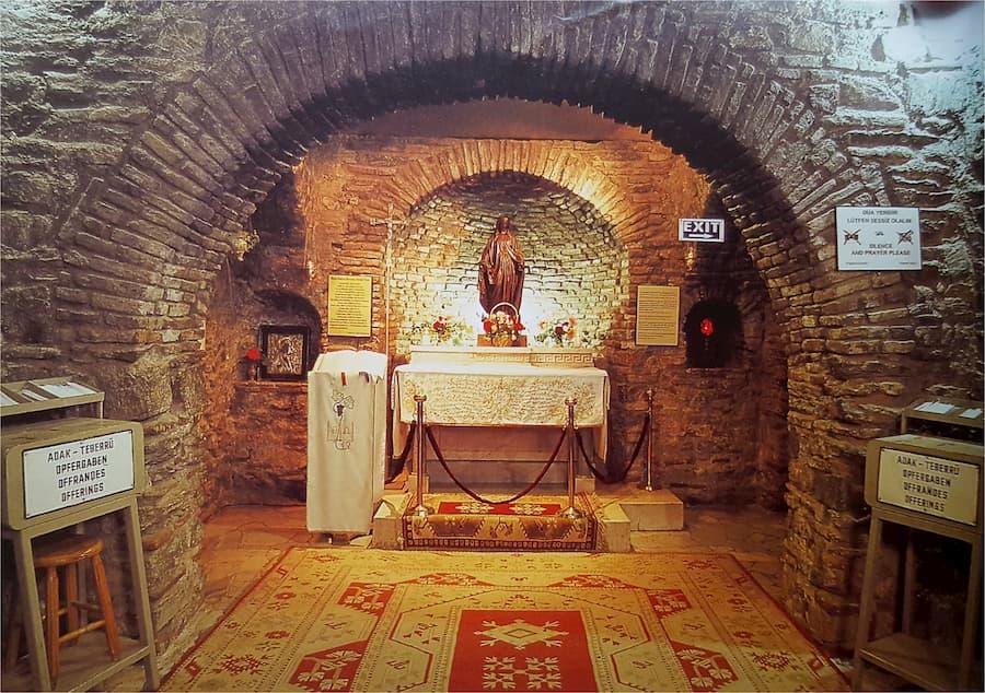 Casa Virgen María Interior Éfeso